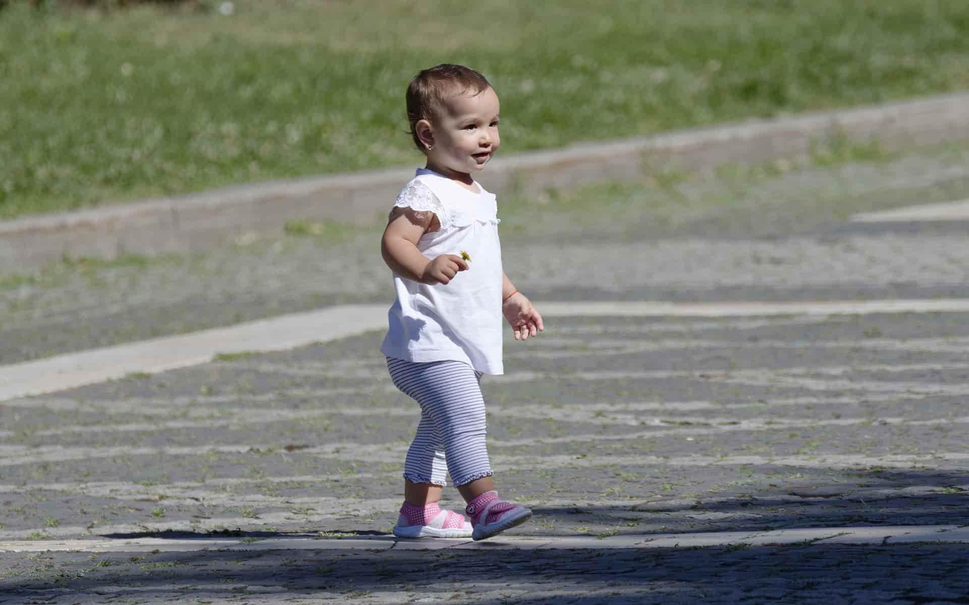 Beneficios de usar zapatillas en niños