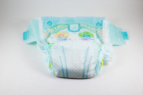 Capa de absorción de pañales de bebé